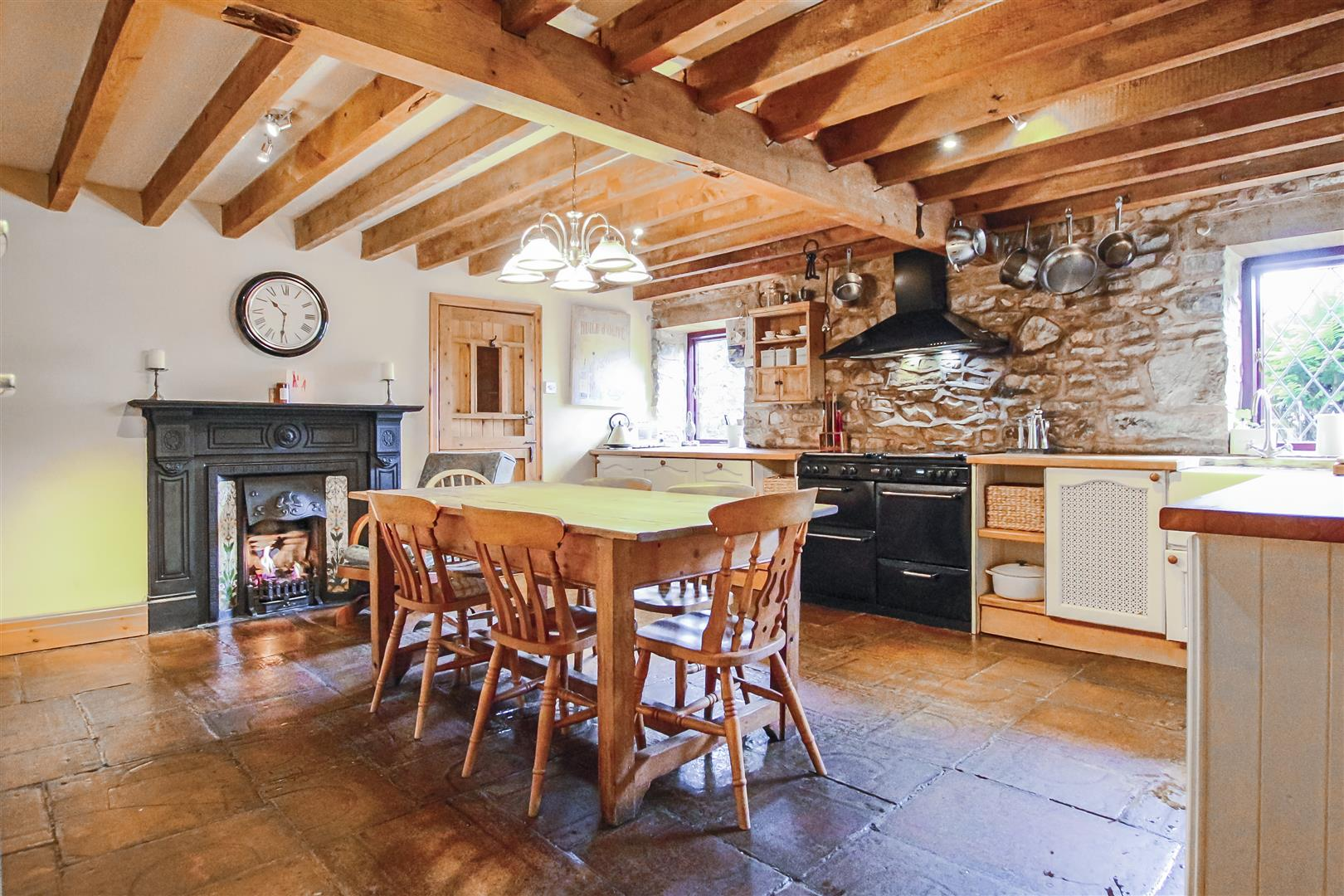 5 Bedroom Barn Conversion For Sale - Image 41